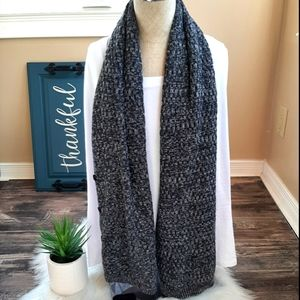 Bench 7 way scarf